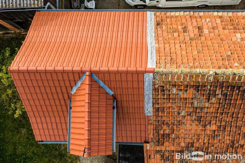 Dach von oben Inspektion Dachdecker Drohne Bestandsaufnahme Sanierung