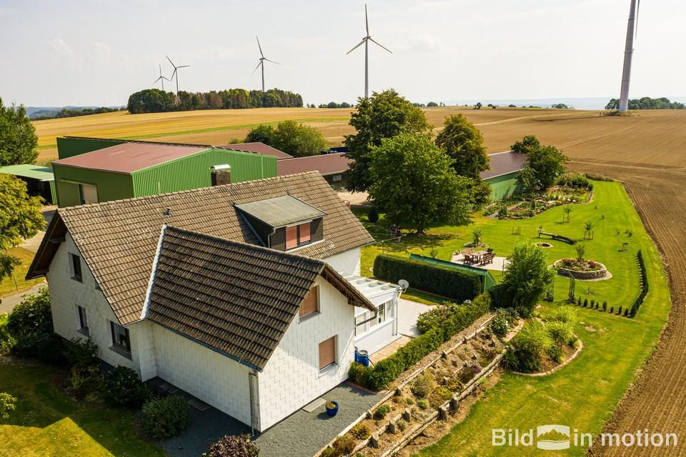 Drohne Luftbildfotograf Haus und Grundstueck Luftbild