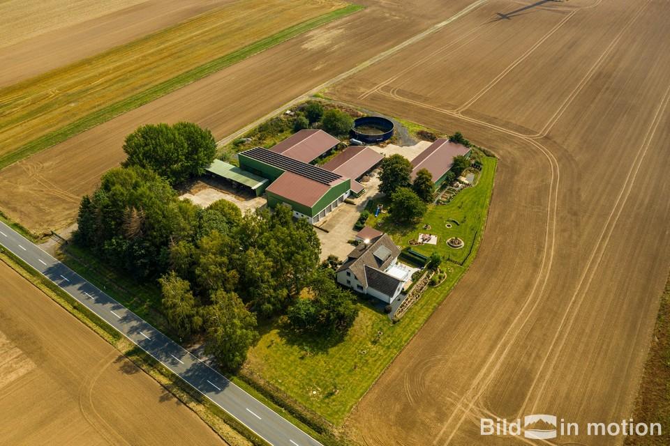 Luftbildservice Drohnenservice Immobilien Bauernhof Grundstueck Drohnenbild Luftbilder
